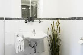 badezimmer bordre ausstattung 2 bordüre badezimmer braun gut auf badezimmer zusammen mit oder in