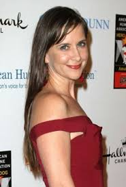 5 cute hairstyles over 40 8 kellie martin hairstyles cute hairstyles page 1 of 1