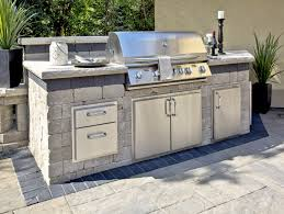 3 popular outdoor kitchen design layouts sure to please unilock