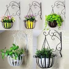 Outdoor And Garden Decor Iron Cast Plants Pot Wall Mount For Indoor Outdoor And Garden