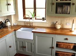 does paint last on kitchen cabinets how to paint kitchen cabinets wow 1 day painting