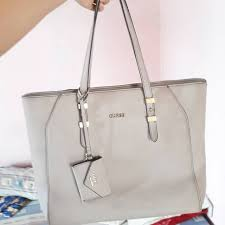 Tas Guess Collection Original tas guess original preloved fesyen wanita tas dompet di carousell