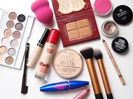best makeup kits for makeup artists here are reasons you shouldn t makeup kit model and