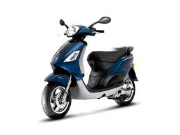 piaggio fly 50 4v the agile affordable scooter autoevolution
