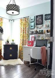 Office Space Organization Ideas Best 25 Creative Office Decor Ideas On Pinterest Diy Cork Board