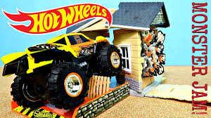 wheels monster jam smash house