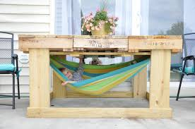 Pallet Patio Furniture Cushions by Little Bit Funky Another Pallet Project Outdoor Table From