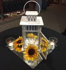 White Lantern Centerpieces by 12 Available Upgraded Cost Of Flowers White Lantern Babies