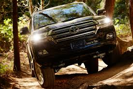 land cruiser off road this is the us spec 2016 toyota land cruiser 49 photos
