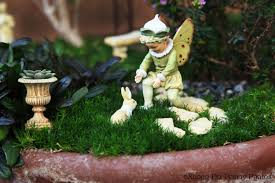 Mini Fairy Garden Ideas by Fairy Gardens Preparing Them For Winter Plus Book Giveaway