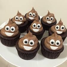 emoji cupcakes my mom will make these omg so cute