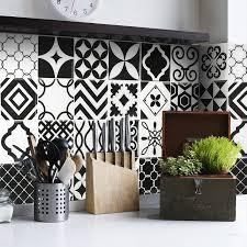 amazon com tin peel u0026 stick raised floral pattern backsplash amazon com smart tiles vintage bilbao 3d gel o adhesive tiles