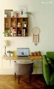 le petit bureau un petit bureau tout en récup dans mon salon avec une planche un