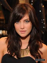 brunette hairstyles wiyh swept away bangs jessica stroup s cute side bangs in case i go back to bangs at