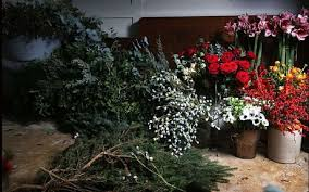 Banisters Flowers Christmas Flowers How To Decorate Your Home Telegraph