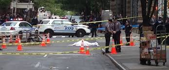 police shoot man in midtown manhattan during rush hour abc news
