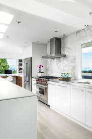 modern white kitchens best 25 modern white kitchens ideas only on