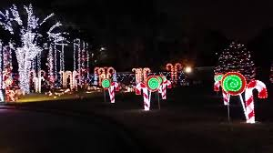 Best Decorated Homes For Christmas Owners Of Memorial City Mall Home Christmas Lights 2013 Youtube