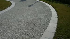 pavimentazione in ghiaia progettare giardini e terrazze le pavimentazioni in calcestruzzo