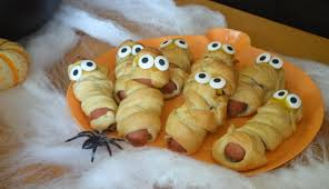 Spooky Halloween Appetizers by 10 Spooky Halloween Treats Mommy Hates Cooking
