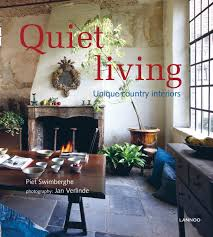 amazon com quiet living unique country interiors 9789020992021
