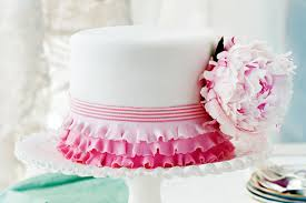 wedding cake size to feed 100 maui wedding cakes weddings on