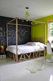 chambre noir et vert decoration tableau à craie salle a coucher mur vert 77 idées