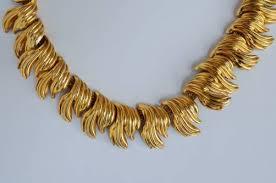 leaf pattern necklace grosse necklace leaf pattern on gilt chain 1963 german in vintage