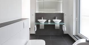 badezimmer weiss unglaublich moderne badezimmer schwarz weiss auf badezimmer