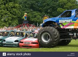 bigfoot monster trucks bigfoot monster truck trucks suv ford pickup pick up car crushing