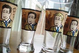 wedding gift groomsmen wedding gifts for groomsmen best handpainted glasses 2