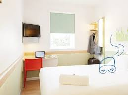 ibis chambre hotels ibis budget l essentiel du confort à petit prix