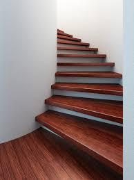 treppe aufarbeiten holztreppe welche holzart eignet sich am besten