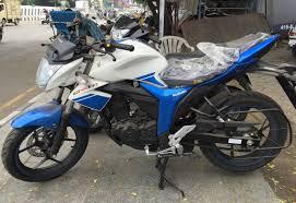 suzuki samurai motorcycle suzuki gixxer with dual tone colours in images