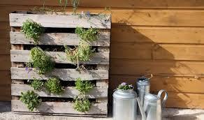 comment fabriquer un canapé en bois de palette comment fabriquer salon de jardin en palettes en bois