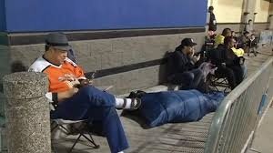 shoppers c out early at best buy in san francisco for