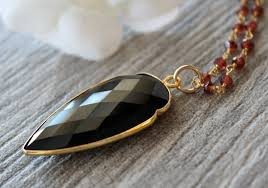 long black pendant necklace images Large garnet and black onyx arrowhead pendant necklace red garnet jpg