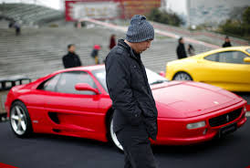 ferrari sports car įvardijo kurie u201eferrari u201c turintys v8 variklį vadinami pačiais