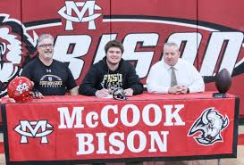 high school senior sports banners high school sports bison lineman signs with fort hays state 2 8