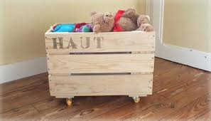 Wood Toy Chest Plans by Diy Pallet Toy Storage Box 99 Pallets