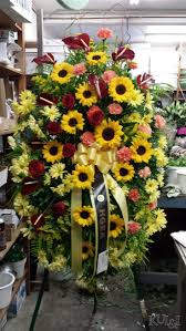Funeral Flower Bouquets - 233 best smpathy flower pieces images on pinterest funeral