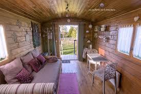 salle de bain romantique photos chambre d u0027hôtes romantique en roulotte dans la campagne les