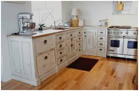 armoire de cuisine en pin armoire de cuisine