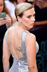 scarlett johansson flaunts new tattoo on her back photos images