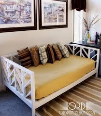 terrific daybed looks like couch images inspiration surripui net