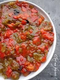 cuisiner poivrons verts la slata méchouïa 2 poivrons rouges 2 poivrons verts 4 tomates 1