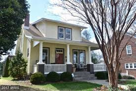 Single Family Home by For 735k Live In A Manor Park Single Family Home With A Wet Bar