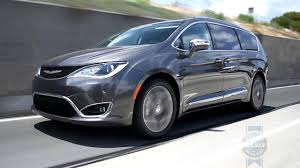 photos and videos 2017 chrysler pacifica van minivan videos