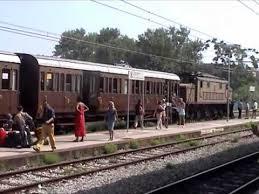 carrozze treni il treno con le carrozze di terza classe a tropea