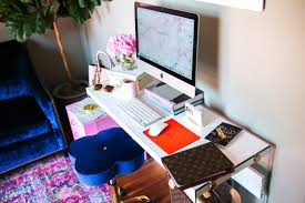 cute office decor 5 easy ways to re vamp a fashionista u0027s desk u2013 the sweetest thing